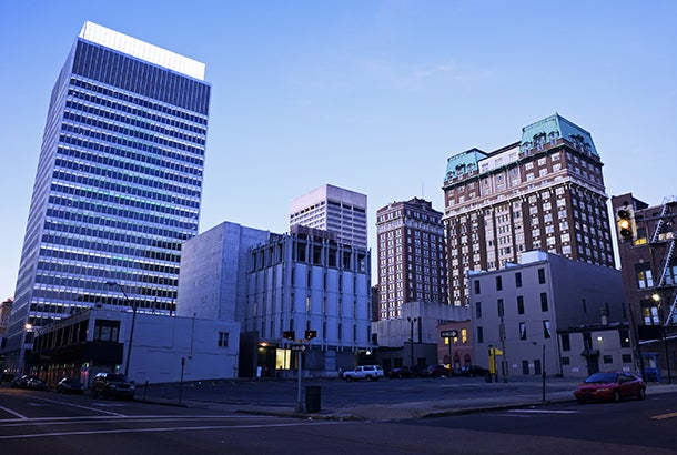 memphis-tennesee-sunrise-downtown