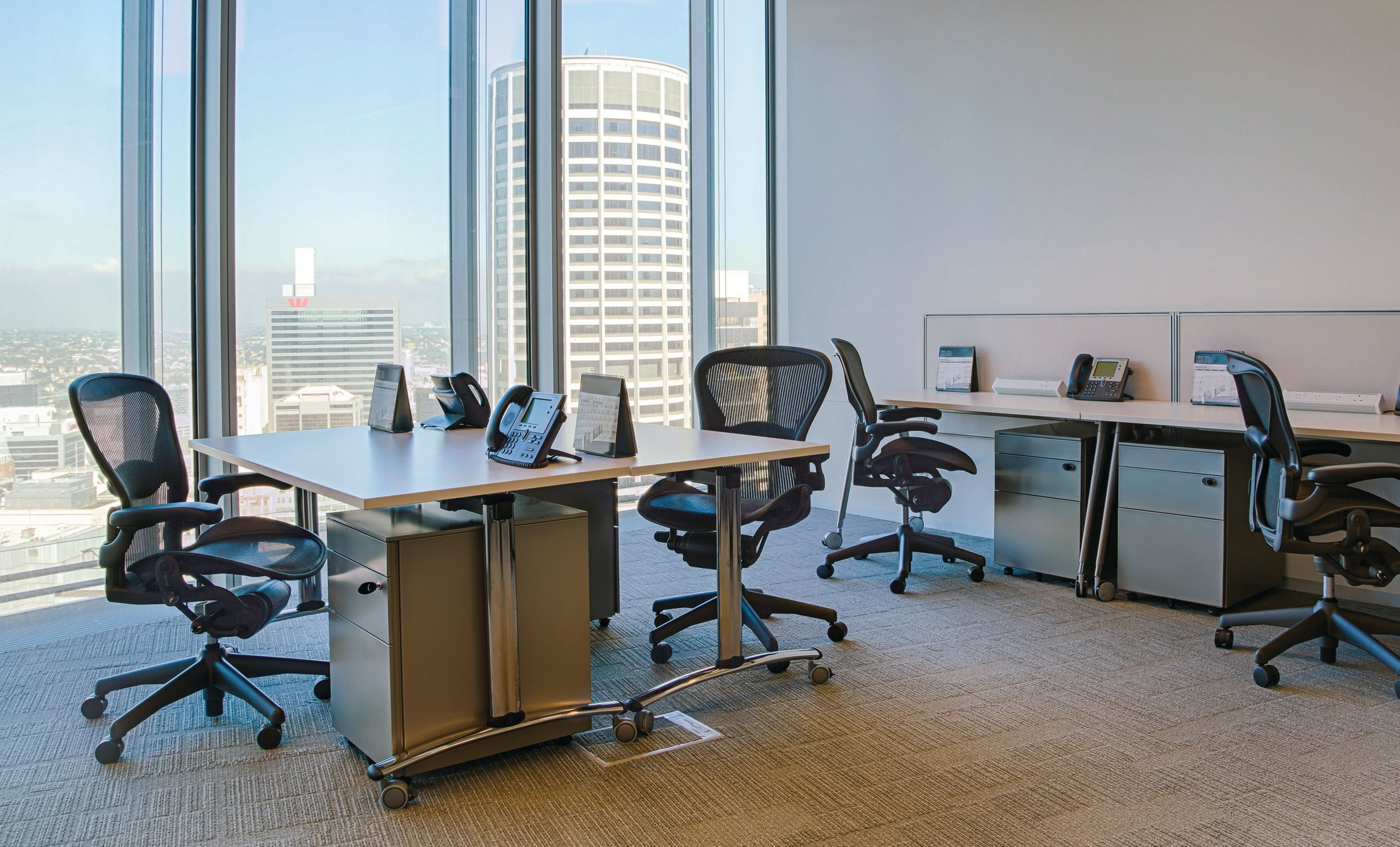 5 reasons why serviced office is a leaner alternative for modern