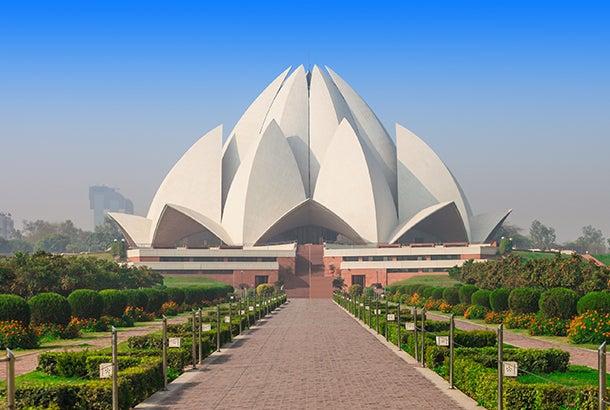 lotus-temple-ritual-india