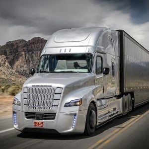Spooked by Self-Driving Cars? Get a Load of Daimler's Awesome Autonomous Big Rig.