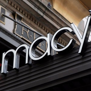 Macy's to Shut 100 Stores in Turnaround Push