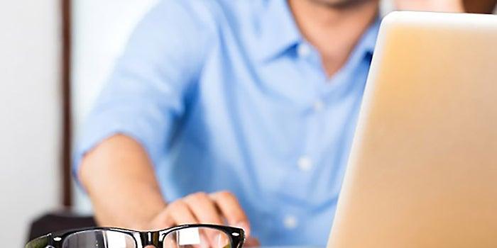 Men Telecommute More than Women, Survey Shows