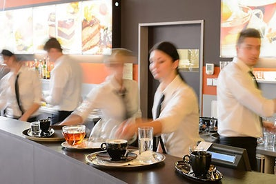 Restaurant Job Growth Plunges in February (Infographic)