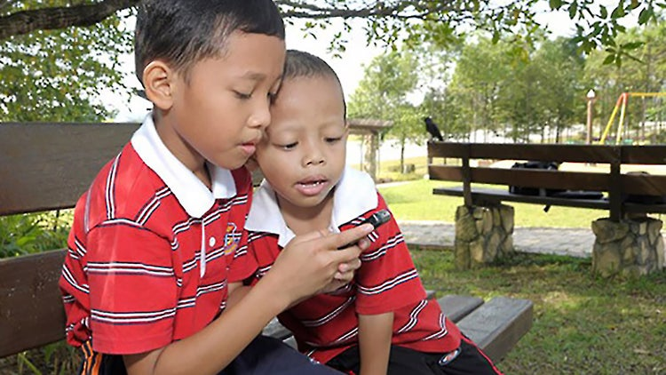 Let Your Kids Use Your Phone As Much As They Want