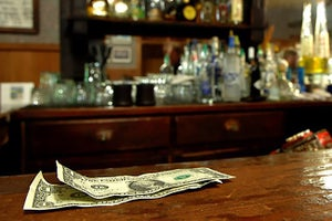 Choosing the Right Cashiering System for Your Bar