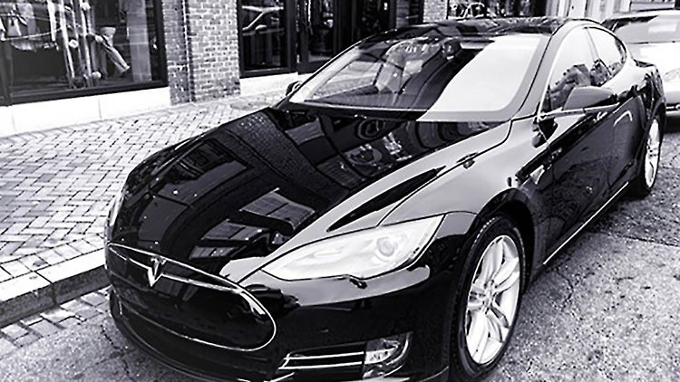 Tesla Says It Delivered a Record 10,030 Cars in the First Quarter