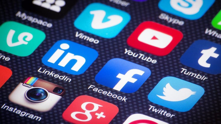 10 Questions You Must Ask When Hiring a Social Media Consultant