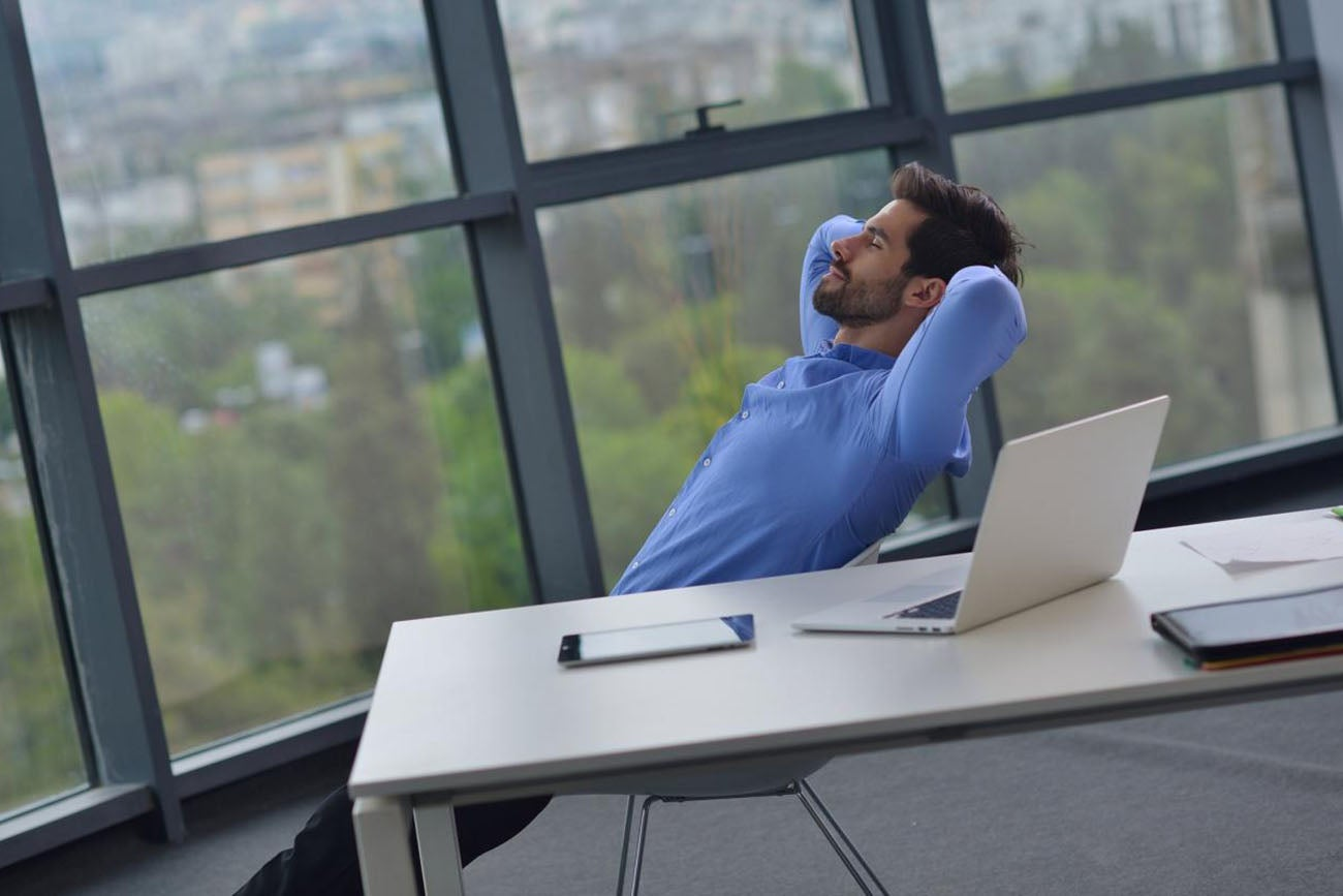 office relaxation. Chill Out With These 7 Office Relaxation Tips O