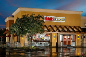 This Burger Chain's Share Price Doubled in Its First Day After IPO