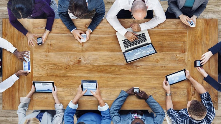 Survey Finds Mobile Devices Lure Us Into Working Longer, But No One Objects Much
