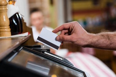 5 Tips for Using Credit Wisely to Boost Holiday Sales