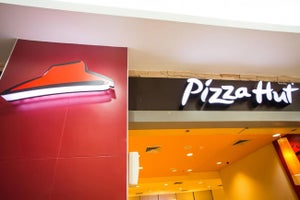 Why Pizza Hut Expects to Set a Sales Record on Thanksgiving Eve