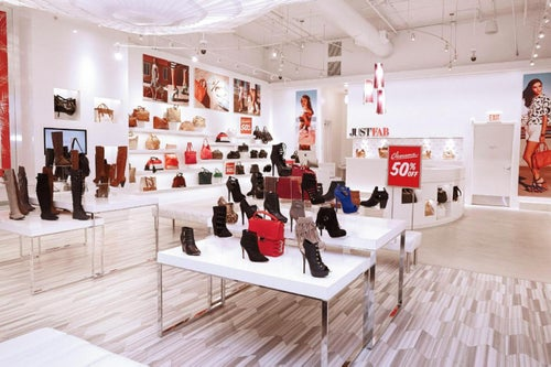From Clicks to Bricks: How Ecommerce Companies Benefit From Physical Stores