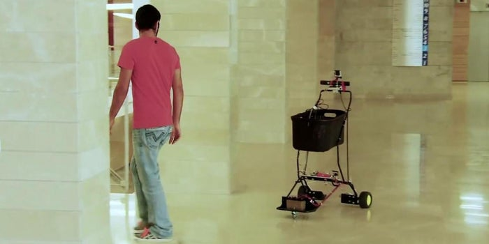 This Shopping Cart of the Future Creepily Follows You Around Stores