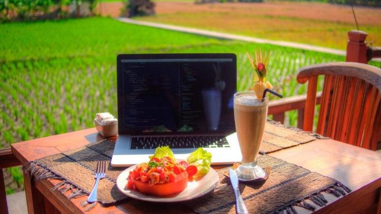 7 Not-Very-Mysterious Ways Online Entrepreneurs Make Money