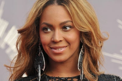 Even Beyonce is Getting Into Athleisure -- Start Up Your Day Roundup