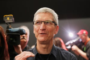 Twitterverse Pounces on Tim Cook's Blurry Super Bowl Photo