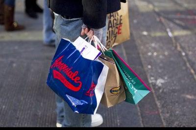 U.S. Retail Sales Weak, Consumer Spending Gauge Barely Rises