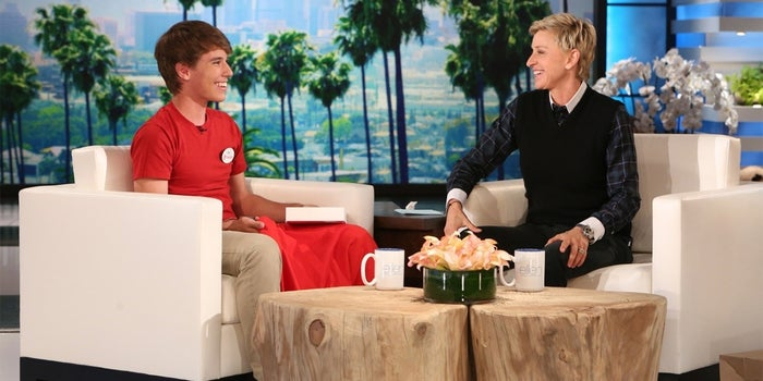 'Alex From Target' Quits Cashier Gig to Pursue Movies, Music and National Tour