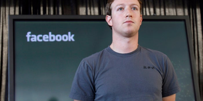 Facing Net Neutrality Concerns, Zuckerberg Argues for Free Internet Service in India