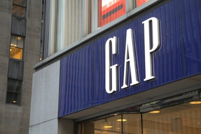 Gap to Close a Quarter of All U.S. Stores, Slash 250 Jobs