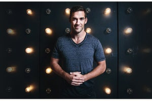 How Lewis Howes Turned a Football Injury Into the School of Greatness