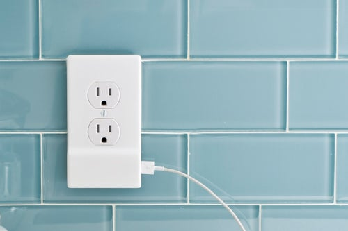 Blowing Past Its Kickstarter Goal, SnapPower Turns Your Outlet Into a USB Charger