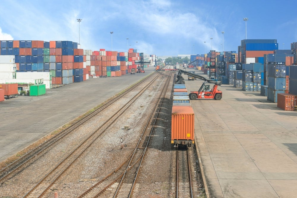 Starting a Freight Brokerage Business? 5 Things You Need to Know.
