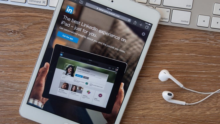 3 Marketing Myths About LinkedIn You Should Ignore