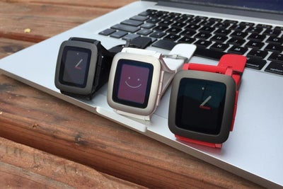 This Is What It's Like to Wear a Pebble Time Smartwatch