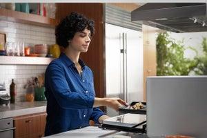 Super 'Smart' Oven Won't Screw Up Dinner