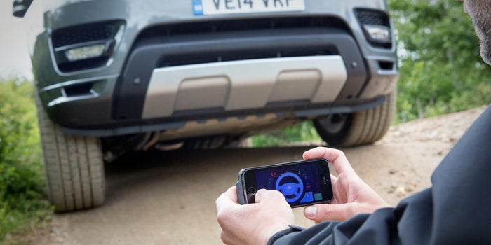 This Phone-Controlled Range Rover Helps You Get Out of a Jam