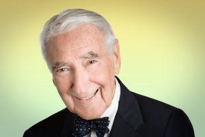 Comcast Founder Ralph Roberts Dies at 95