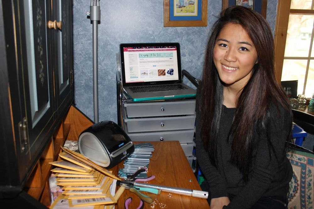 This Teen Paid for College by Selling on Etsy. Here Are 5 Ways She Did It.