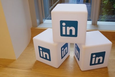 LinkedIn Shares Are in a Scary Place Right Now