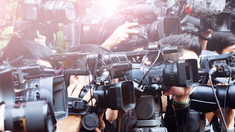 33 Tips to Help You Ace a Media Interview (Infographic)