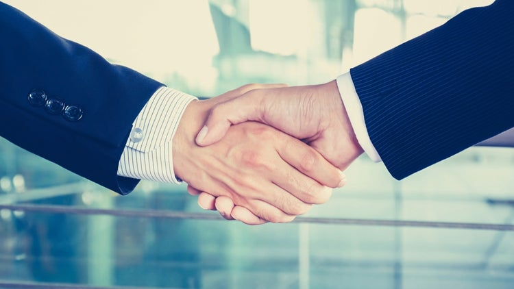 How to Expertly Negotiate a 6-Figure Sales Contract