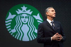 In the Battle of Billionaires, Howard Schultz Doesn't Measure Up to Trump