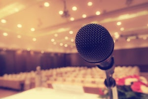 How to Hold a Microphone During a Speech