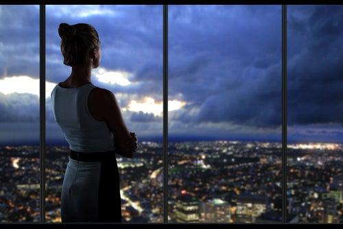 Women Business Travelers Plan Ahead, Saving Their Companies Money on Airfare