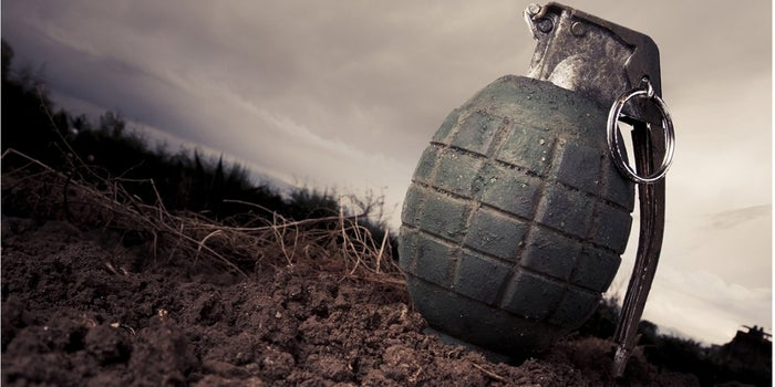 6 Signs Someone Is a Social Hand Grenade