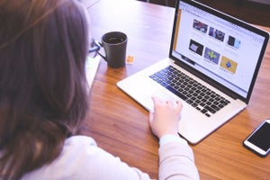 50 Must-Have Features for Small-Business Websites (Infographic)