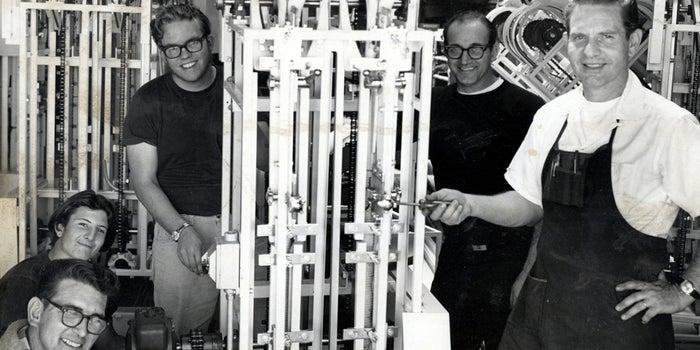 Bagel-Machine Inventor Daniel Thompson Dies at 94