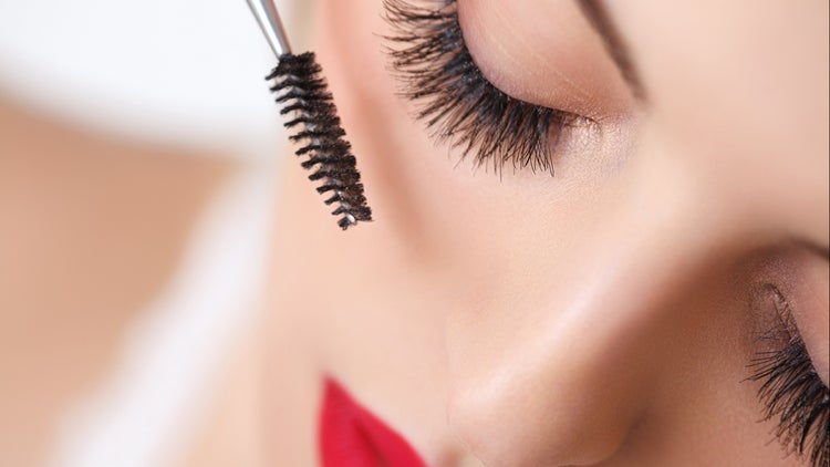 The Greasy, Glamorous Rise of Mascara