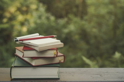 10 Little-Known Books to Add to Your Entrepreneur Bookshelf