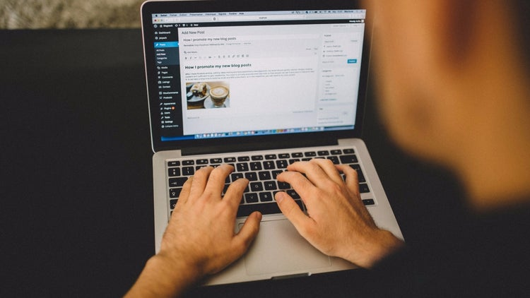 10 Keys to Make Millions Blogging