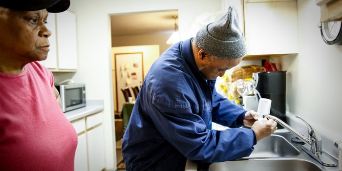 Union Plumbers Donate Time, Supplies to Flint Residents
