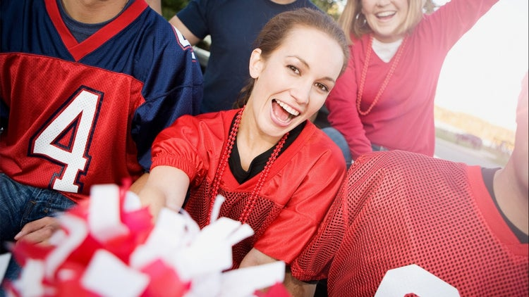 How Women Watch the Super Bowl (Infographic)