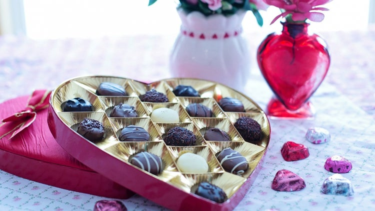 From Candy, to Flowers to Cards, Valentine's Day Is Good Business (Infographic)
