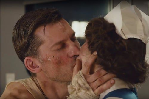 Siri Can't Help TV Stars Kiss Like They Mean It In This Awkward Apple Ad